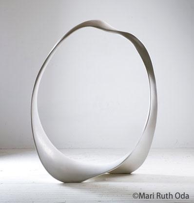 ジェスモナイト彫刻 Mari Ruth Oda