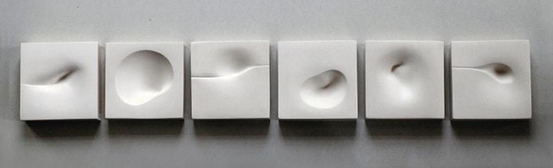 日本人芸術家によるジェスモナイトを使用した彫刻