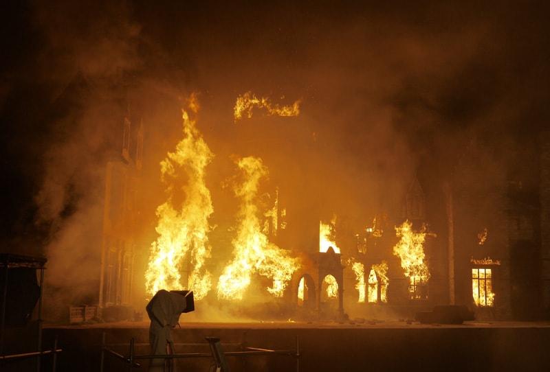 耐火性のあるジェスモナイトは火災シーン用に最適