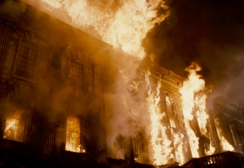 耐火性のあるジェスモナイトは炎の特撮に最適